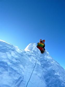 Edita on top of Manaslu Lith flag (photo by Ole)