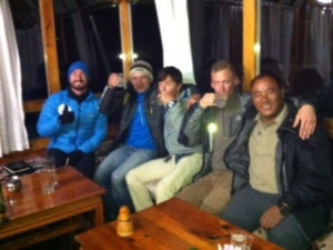 First night of the expedition at Dorje's lodge in Phakding - Junkies' bonding time
